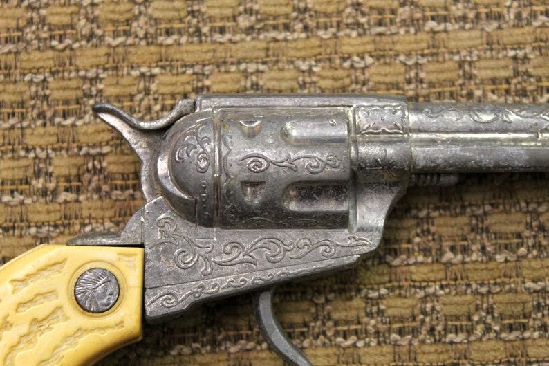 8.5       B36 Vintage Kids Metal /& Plastic Cap Gun from the 50/'s