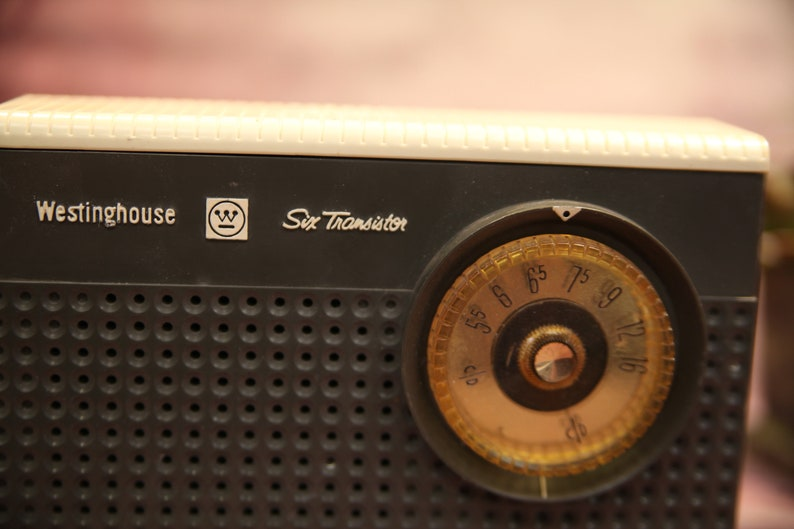 Vintage Westinghouse 6 Six Transistor Radio H-728P6A Charcoal /& White Non Working   B101-11-14