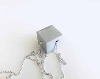 Concrete EXCENTRIC CUBE - silver chain