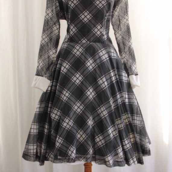 60s Vtg Plaid Dress Peter Pan Collar Medium - image 4