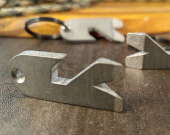 Titanium EDC Keychain / Prybar