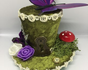 Alice im Wunderland Mini Hut Fascinator