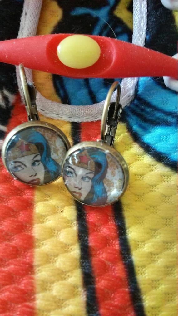 Wonder women earrings