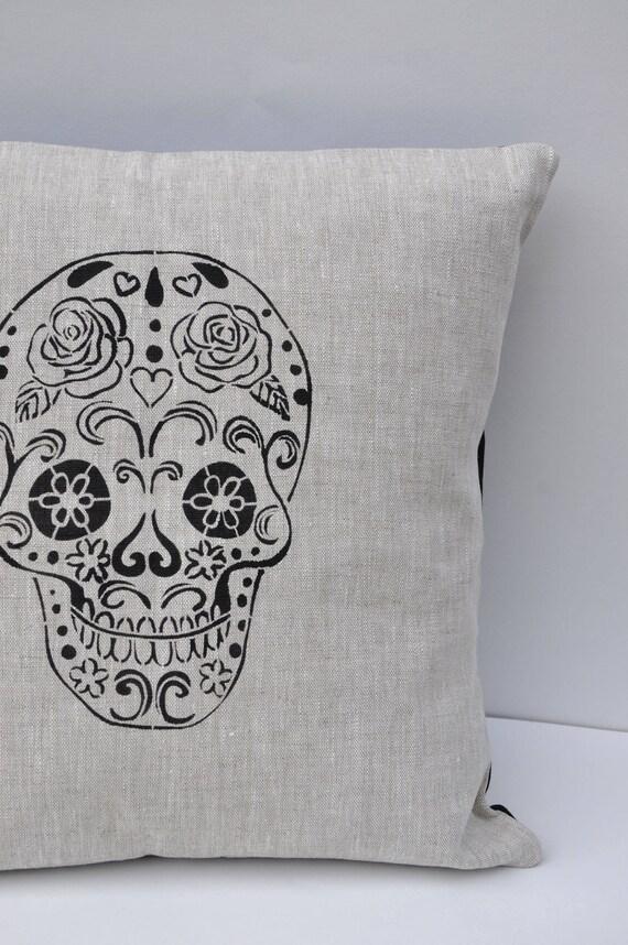 Cushion Death/'s Head Skull Pale Grey 40x40cm