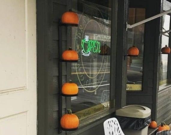 Pumpkin Holder, Pumpkin Wall Art, Pumpkin Décor, Halloween Décor, Fall Décor, Halloween Decorations, Pumpkins, Pumpkin Stand