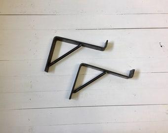 """Farmhouse """"Z"""" shelf bracket with support bar"""