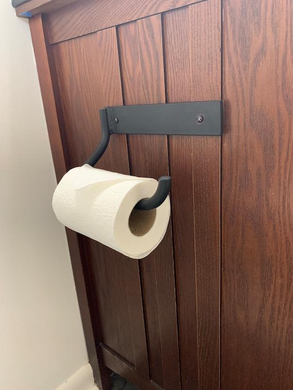 Toilet Paper Wall Mount, Beach House Bathroom, Modern Bathroom Accessories, Cottage Bathroom Decor, Kids Bathroom Ideas, Cabin Bathroom