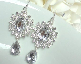 Wedding earrings, bridal earrings, brides earrings, bridesmaid earrings, maid of honor earrings, rhinestone wedding earrings, Wedding