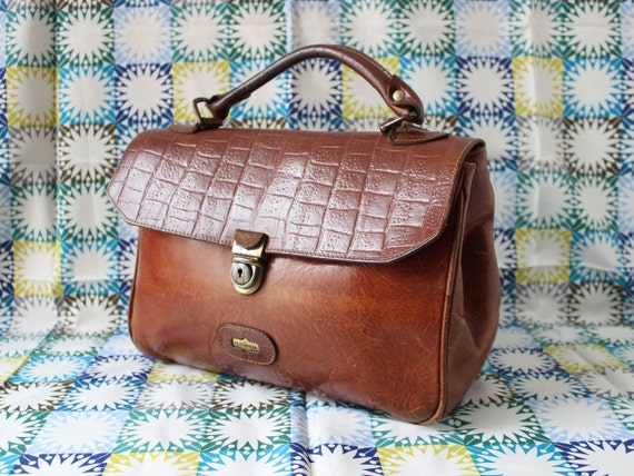 EL CAMPERO TRUNK  Vintage El Campero tan leather and croc pattern El campero trunk 90s leather doctor  Leather trunk Bag