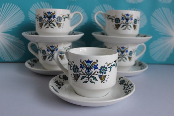 White Oak Leaf Coffee Cups and Saucers A trio of Midwinter