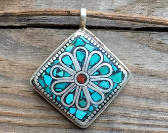 Diamond-shaped Turquoise and Coral Pendant with Floral Design from Nepal