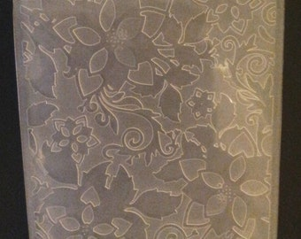 Sizzix Flowers #7 Flower Embossing Folder 4.5x5.75 works in most machines