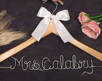 Wedding Shower Gift, Personalized Wedding Hanger, Bridal Hanger, Custom Wire Name Wedding Dress Hanger, Bridesmaid Dress Hanger, Bridal Gift
