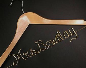 Bridal Shower Gift, Personalized Wedding Hanger, Bridal Hanger, Gift for Bridal Party, Wedding Gown, Custom Hanger, Wire Hanger, Wire Name