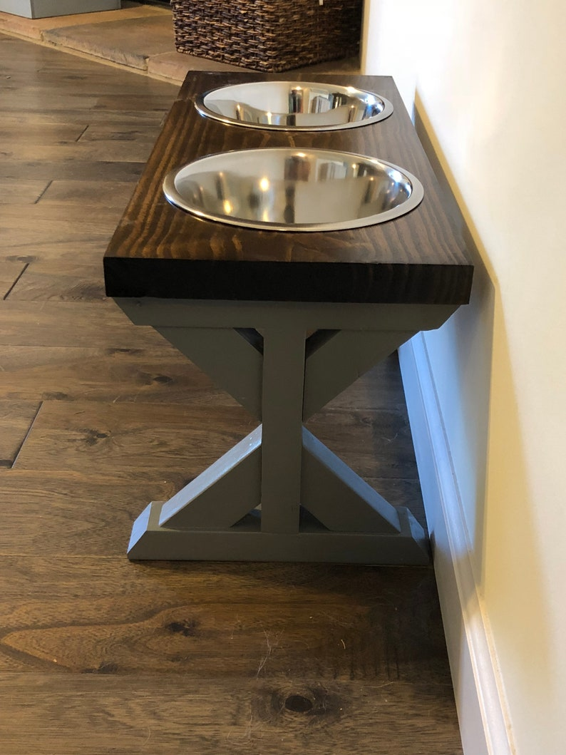 Medium Farmhouse Dog Bowl Stand