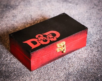 Dungeons and Dragons Style Dice Box/rpg//rpggifts//warhammer//callofcthulhu//magicthegathering//pathfinder//dwarf