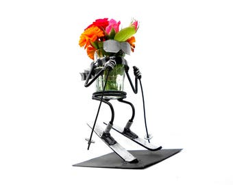 Skier Metal sculpture. Decoration for office. Glass holder, Stand for flowers, pencil holder, Welded gift. Gift for outdoor enthusiasts.