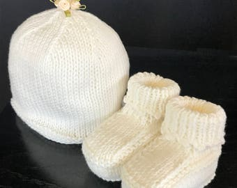 Cotton blend Baby bootie and hat set