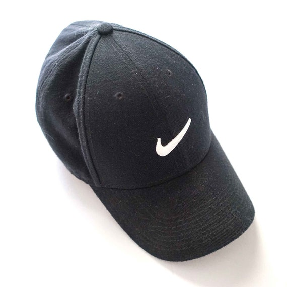 2d59f5713ee Nike Logo Fitted Hat Small