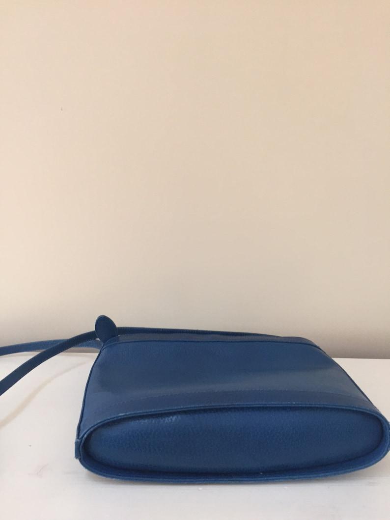 1990/'s Vintage Cornflower Blue  Pebbled Leather Shoulder BagCrossbodyAnn TaylorMade in Italy