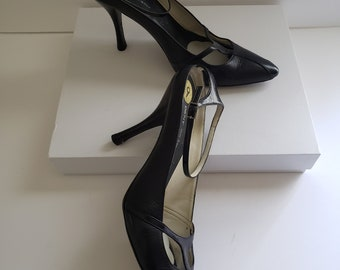 ab97b659524 1990s slingback ankle strap black leather DKNY pumps   size 9   90s vintage  women s pumps