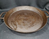 Vintage Unmarked Cast Iron Double Handle Skillet Circa Early to mid 1900