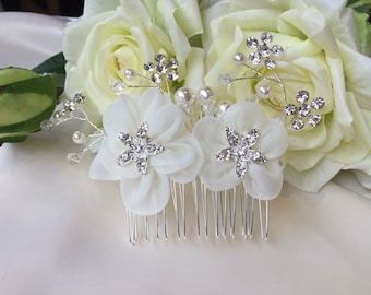 Crystal flower wedding hair comb, bridal hair comb, silver hair comb, rhinestone hair jewellery, hair decoration, bridal hair jewellery
