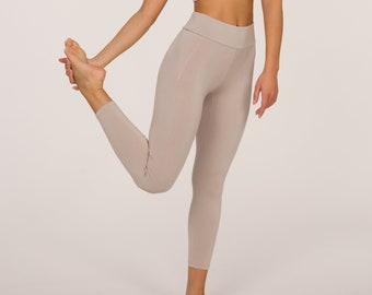 High Rise Yoga Pants, 7/8 Yoga Pants in Bamboo fiber, Leggings for Yoga and be ACTIVE CHIC