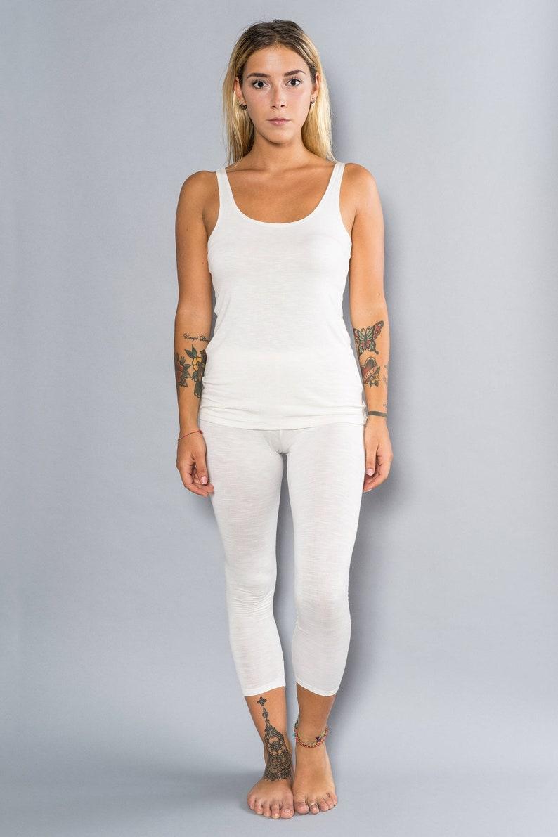 32058cf1f5 White Bamboo Leggings White Yoga Capri Yoga Pantacollant in | Etsy