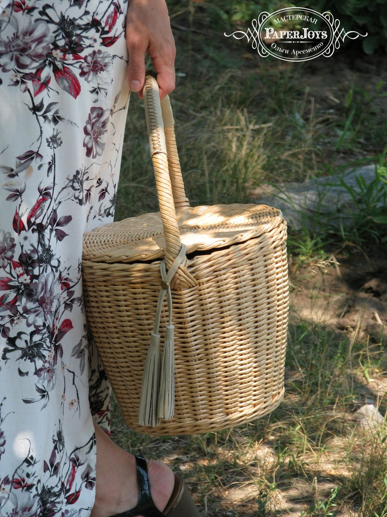 d069fd508402 Jane Birkin style wicker bag basket Round with lid and handle