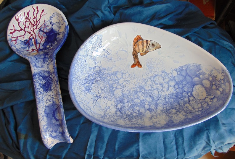 Dish tray painted with bubbles