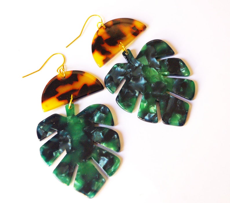 Monstera earrings terrazzo jewelry Tortoise shell Green image 0