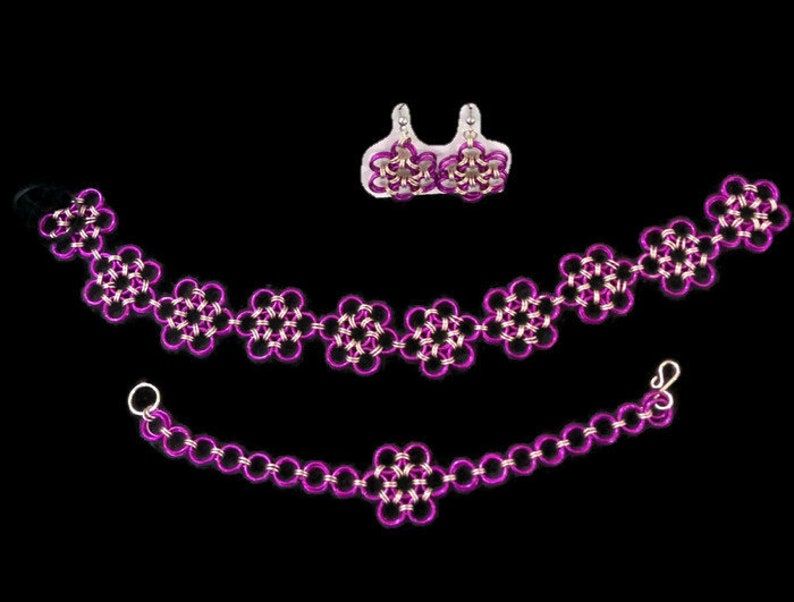 Gorgeous purple and silver chainmail jewelry set. Earrings image 0