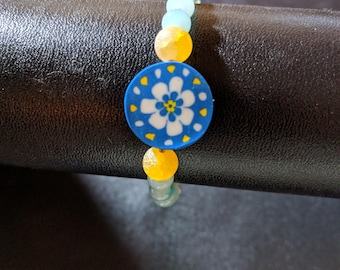 Flower power!  Lovely 6.75 inch bracelet