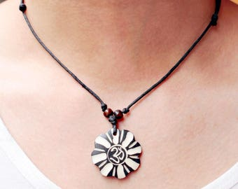 Wood vintage necklace coconut shell
