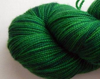 Green forest variegated hand-dyed merino superwash sock yarn, 100 grams, 400 yards