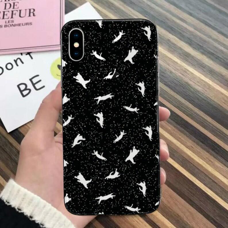 coque iphone xr avec crochet