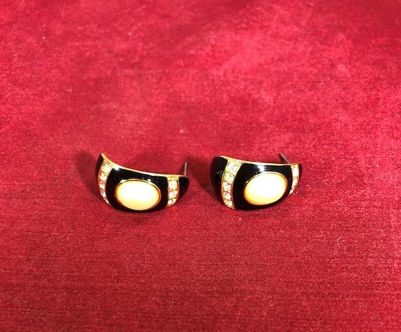 Vintage-Earrings-Half Hoop-Joan Rivers-Black-Faux