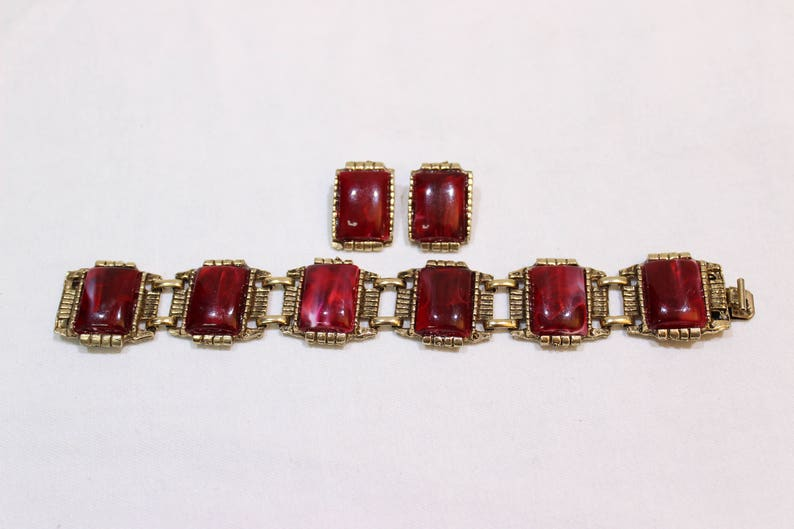 Vintage Red Marbled Cabochon Jewelry Set Chunky Bracelet and Earrings Bracelet and Clip On Earring Set