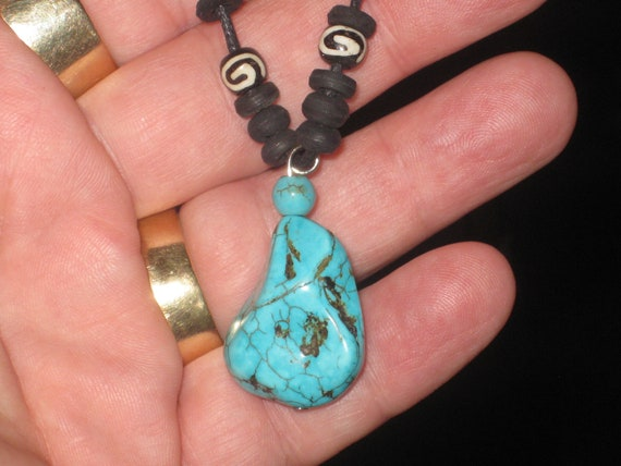 Turquois surfer nugget pendant, with adjustable necklace.