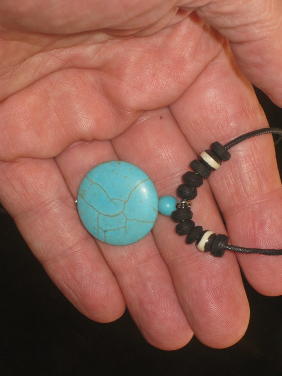 Turquois surfer pendant, with adjustable necklace.