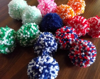 e127b15fbf5 Batch of 15 Assorted Pompoms