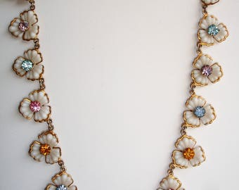 Pretty Vintage Floral Necklace Plastic Diamante Gold Tone Metal