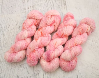 Flamingo Fingering Weight Sock Yarn (80/20 Superwash Wool/ Polyamide) Hand Dyed in Pink & Peach with Tiny Speckles   - 100 g