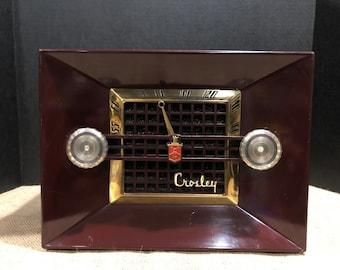 Vintage Crosley tube radio