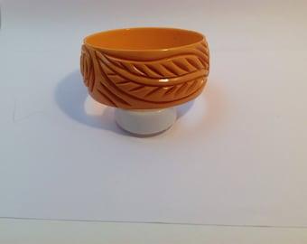 Carved bakelite bangle bracelet, rich colour 1930-1940's