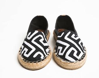 Jutes Mola closed Black heel black