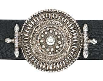 Engraved Gold Belt Buckle Compass Design with a lot of Intricate Details