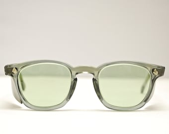 b2b15ee802a Vintage 1950 s 60 s AMERICAN OPTICAL Grey Eyeglasses   AO M Green Sunglasses  Lenses   Retro Collectable Rare  1842