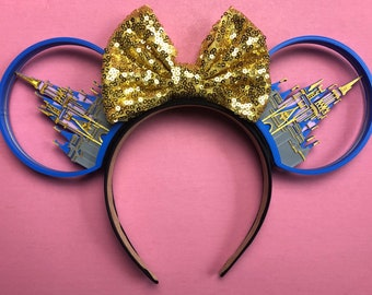 rhinestones with castle and letter D MAGICAL MOMENTS 3D Mouse Ears,